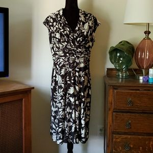 Sleeveless Dress Size 16